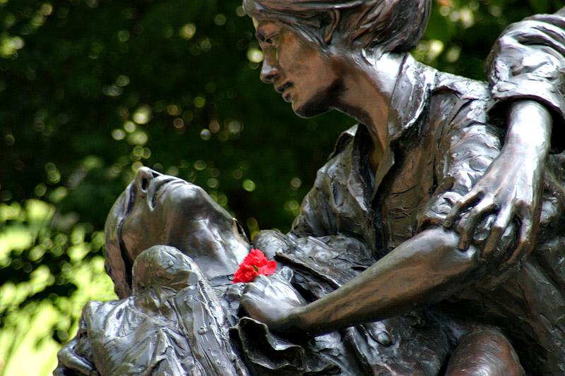 Vietnam Women's Memorial Photo by Michael Sirois http://michael.sirois.com